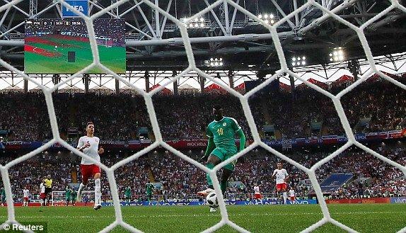 Video ket qua Ba Lan vs Senegal: Cu soc doi voi doi tuyen Ba Lan hinh anh 2