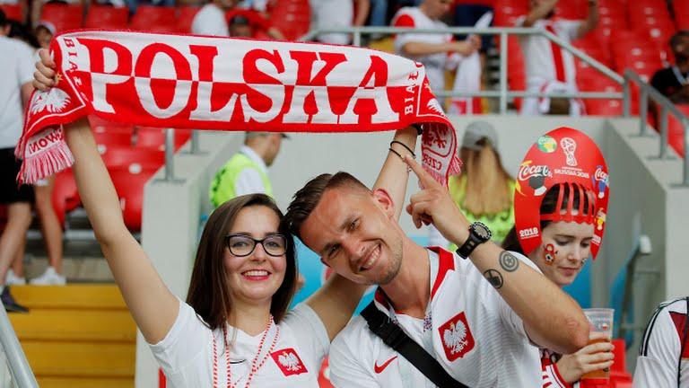 Video ket qua Ba Lan vs Senegal: Cu soc doi voi doi tuyen Ba Lan hinh anh 17