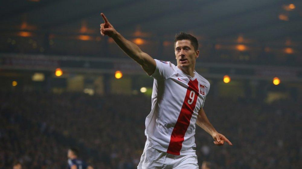 Video ket qua Ba Lan vs Senegal: Cu soc doi voi doi tuyen Ba Lan hinh anh 22