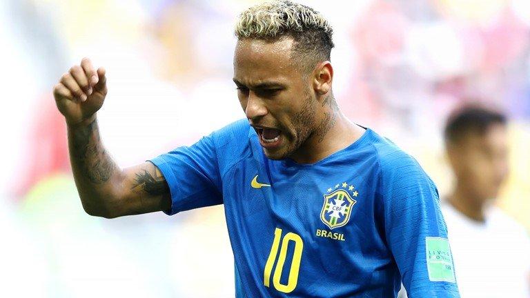 Neymar lai di tat rach, khoc nuc no khi Brazil thang tran hinh anh 6