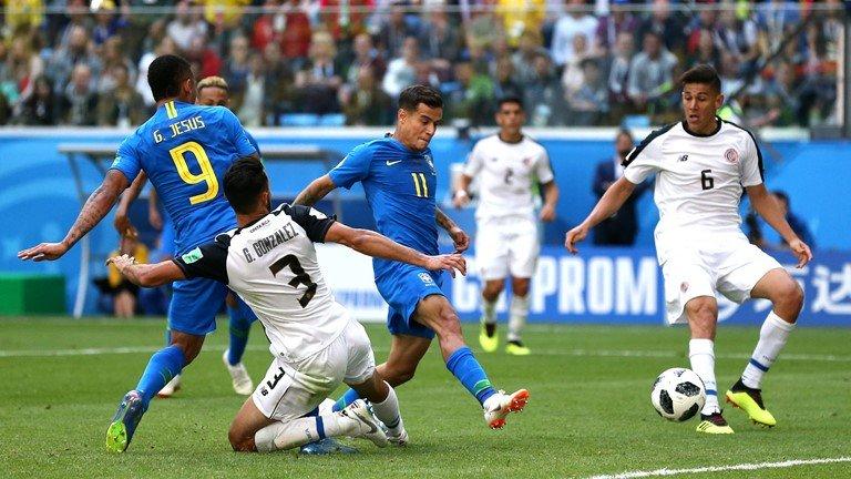 Neymar lai di tat rach, khoc nuc no khi Brazil thang tran hinh anh 7