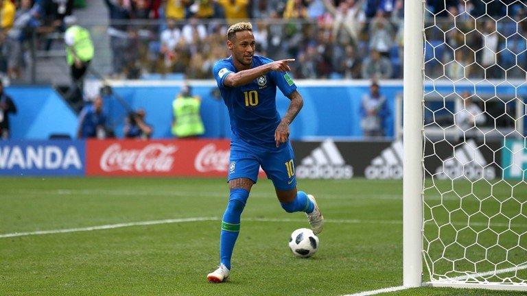 Neymar lai di tat rach, khoc nuc no khi Brazil thang tran hinh anh 11
