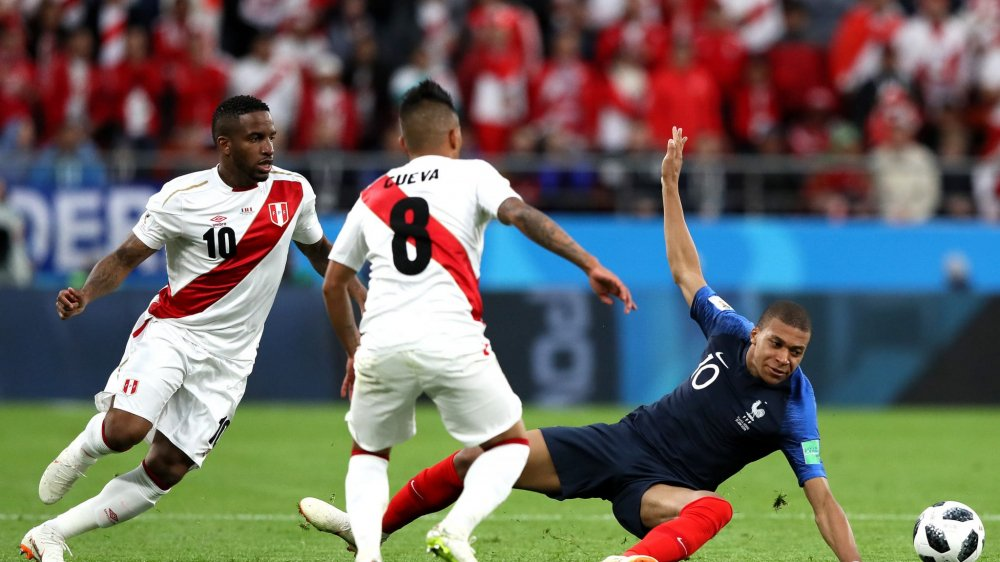 Ghi ban o World Cup, sao tuyen Phap tai hien man an mung de doi cua Van Thanh hinh anh 8