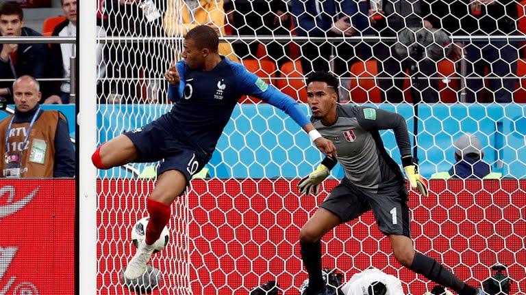 Ghi ban o World Cup, sao tuyen Phap tai hien man an mung de doi cua Van Thanh hinh anh 7