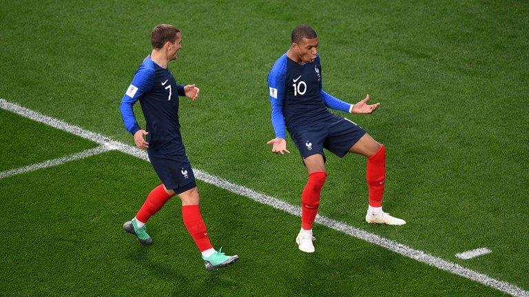 Ghi ban o World Cup, sao tuyen Phap tai hien man an mung de doi cua Van Thanh hinh anh 4