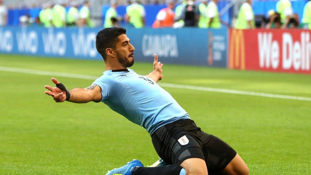 Vong bang World Cup 2018: Argentina chet di song lai, Duc bi loai soc hinh anh 3