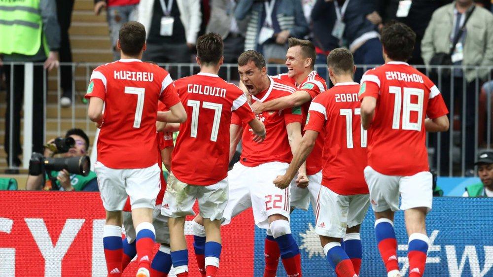 Vong bang World Cup 2018: Argentina chet di song lai, Duc bi loai soc hinh anh 6