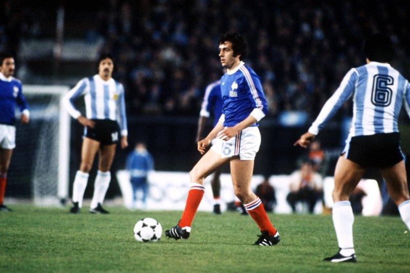 Phap vs Argentina: Tran chien 40 nam va Messi vao chung ket? hinh anh 5