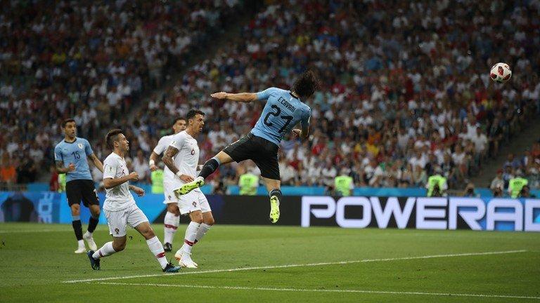 Ronaldo noi dai chuoi tit ngoi, Uruguay tai lap ky tich 88 nam hinh anh 2