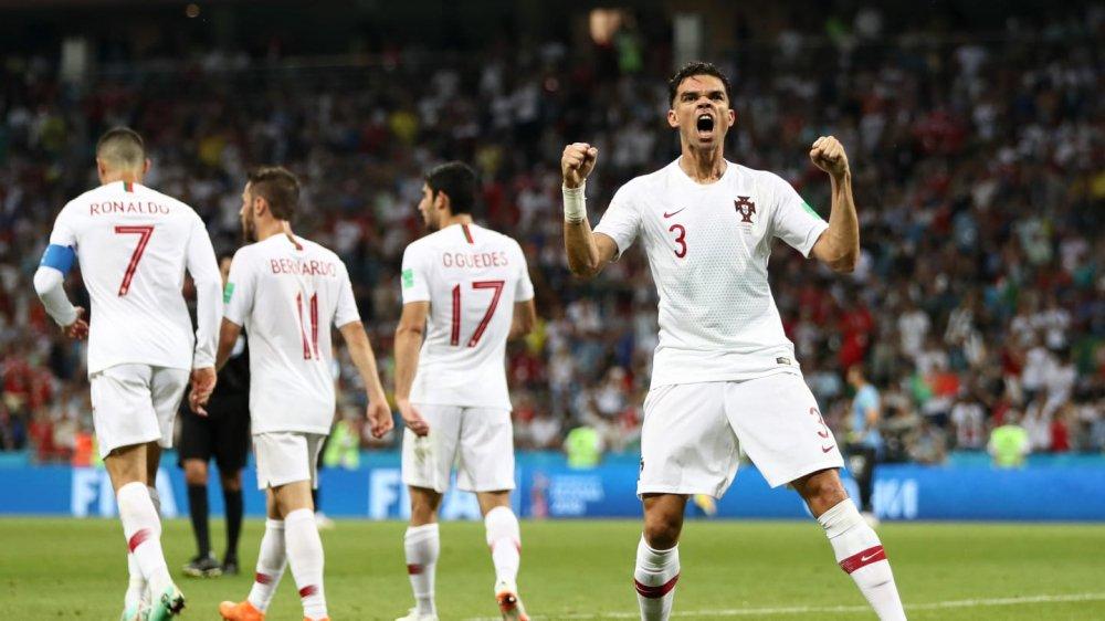 Ronaldo noi dai chuoi tit ngoi, Uruguay tai lap ky tich 88 nam hinh anh 6