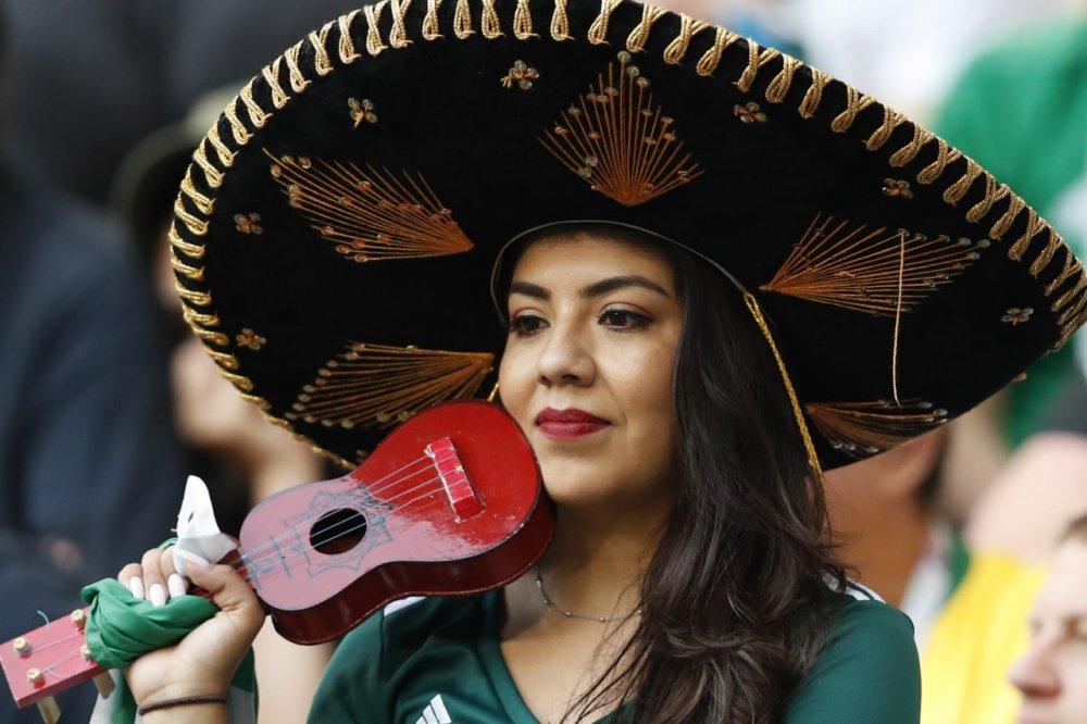 CDV Mexico khoc nghen khi bi Brazil loai o vong 1/8 World Cup 2018 hinh anh 7