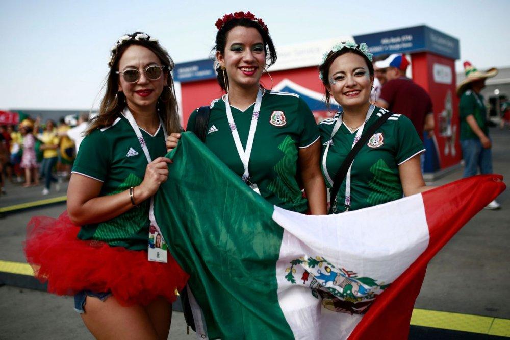 CDV Mexico khoc nghen khi bi Brazil loai o vong 1/8 World Cup 2018 hinh anh 2