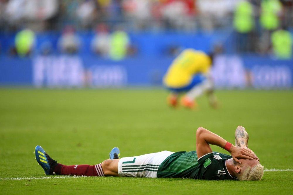CDV Mexico khoc nghen khi bi Brazil loai o vong 1/8 World Cup 2018 hinh anh 8