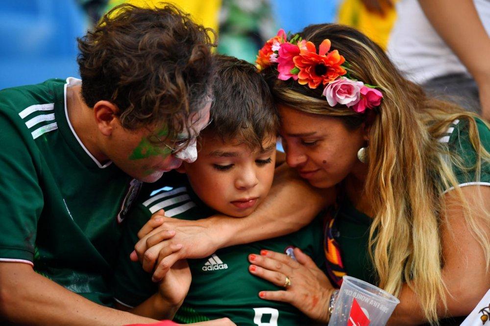 CDV Mexico khoc nghen khi bi Brazil loai o vong 1/8 World Cup 2018 hinh anh 22