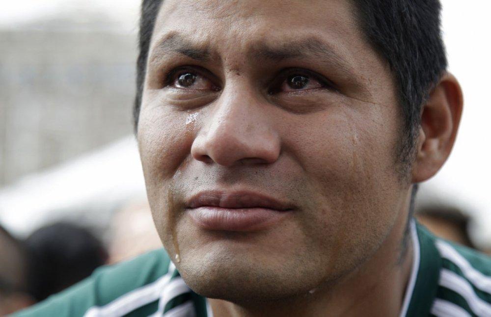 CDV Mexico khoc nghen khi bi Brazil loai o vong 1/8 World Cup 2018 hinh anh 14