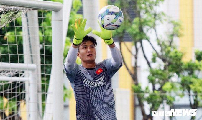 Day la cau thu ky la nhat Olympic Viet Nam ma HLV Park Hang Seo trieu tap hinh anh 1