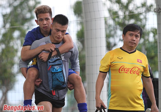 Hong Duy: 'Thay oi, con khong on roi' hinh anh 2