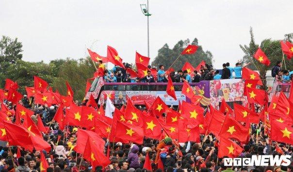 le-don-u23-viet-nam-ve-nuoc-khong-khi-soi-dong-chua-tung-co-1517130586