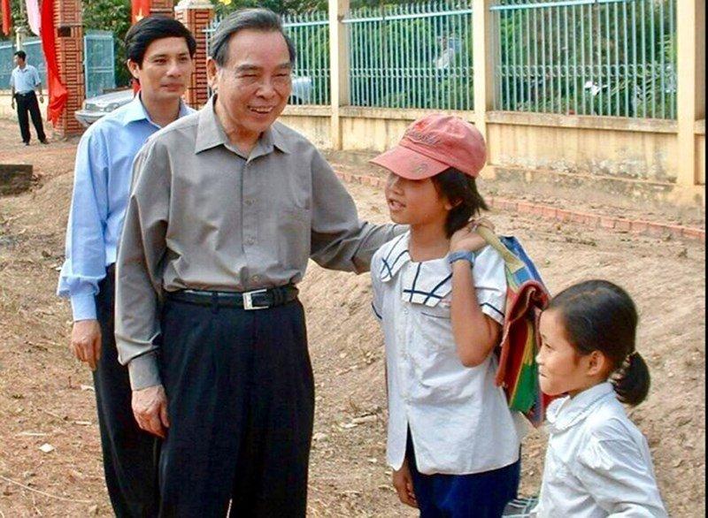 Nguyen Thu tuong Phan Van Khai - nguoi sat sao trong cong viec, binh di trong doi song hinh anh 2