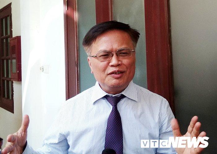 TS Nguyen Dinh Cung: 'Chinh sach kinh te cua Viet Nam cu tien mot buoc lai lui mot buoc' hinh anh 1