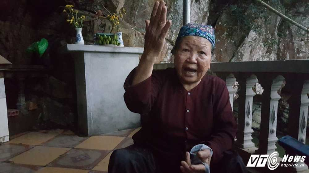 Bi an ran khong lo o Quang Ninh: Ba lao gia trong ngoi mieu tho Ran hinh anh 2