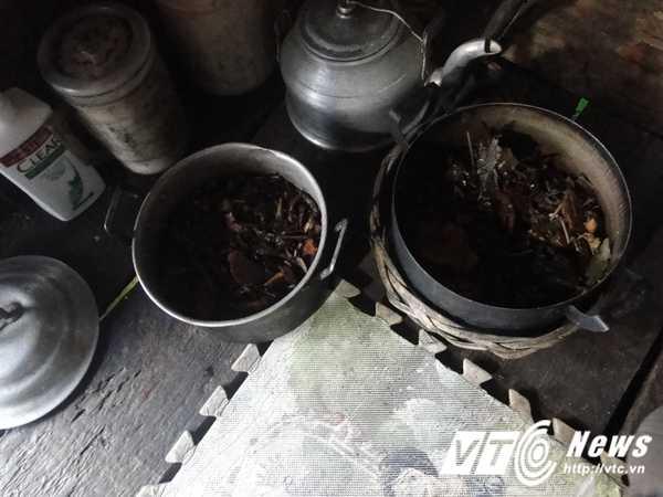 'Chi Dau' o ho Thuy dien Hoa Binh: 'Ban dan cho khong du tien chua benh' hinh anh 7