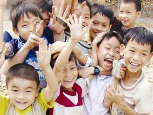 Quy dinh dang anh tre em tren 7 tuoi len mang phai xin phep chinh thuc co hieu luc tu 1/7 hinh anh 1