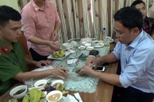 Nghi van giam doc so hoi lo nha bao 200 trieu dong: UBND tinh Yen Bai thong tin hinh anh 1