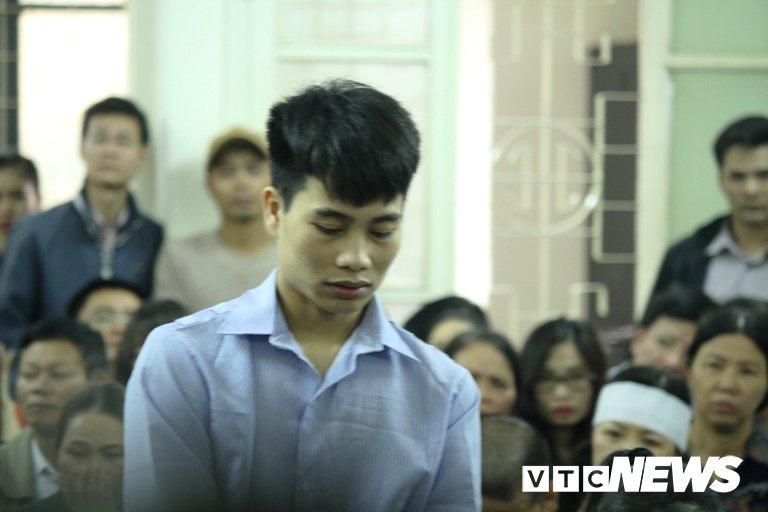 Chay quan karaoke 13 nguoi chet o Ha Noi: Chu quan lam nguoc doi, thay bang toan bo vat lieu de chay hinh anh 2