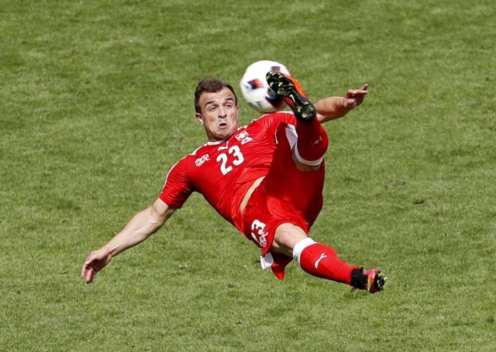 Doi hinh xuat sac da bi loai khoi Euro 2016 hinh anh 9