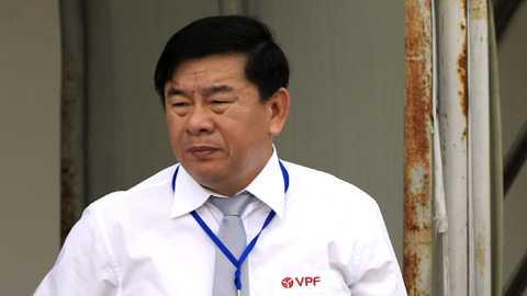 V-League roi ren, VFF dinh chi Truong ban Trong tai? hinh anh 1