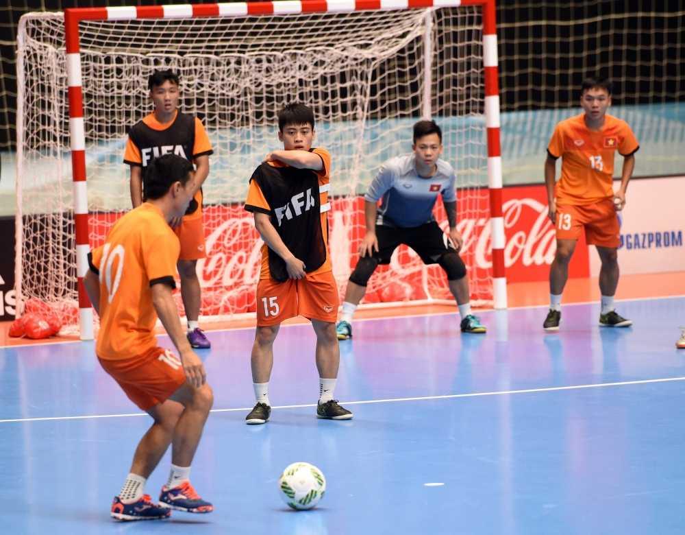 'Dung xem thuong tuyen Futsal Viet Nam' hinh anh 2