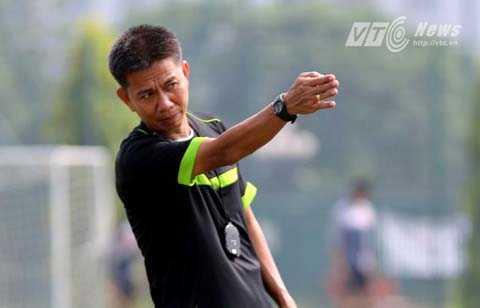 HLV U19 Viet Nam: 'Chung toi khong dung ngoai cuoc choi' hinh anh 1