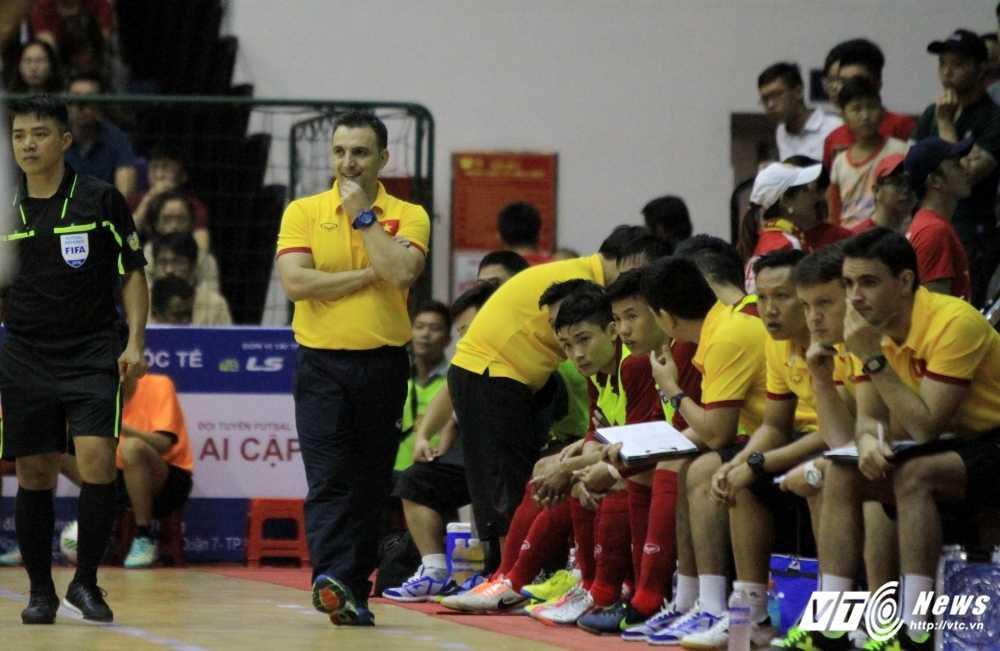 Lo ly do HLV Bruno Garcia chia tay futsal Viet Nam hinh anh 1