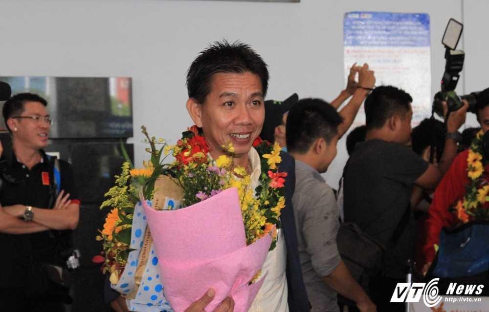 World Cup U20: U20 Viet Nam sang Duc, Ha Lan tap huan hinh anh 1