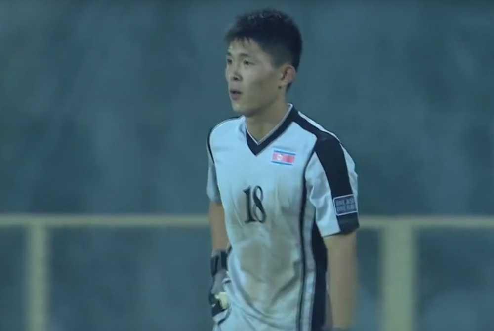 Chu dong thua mot cach lo lieu, U16 Trieu Tien nhan an phat nang hinh anh 1