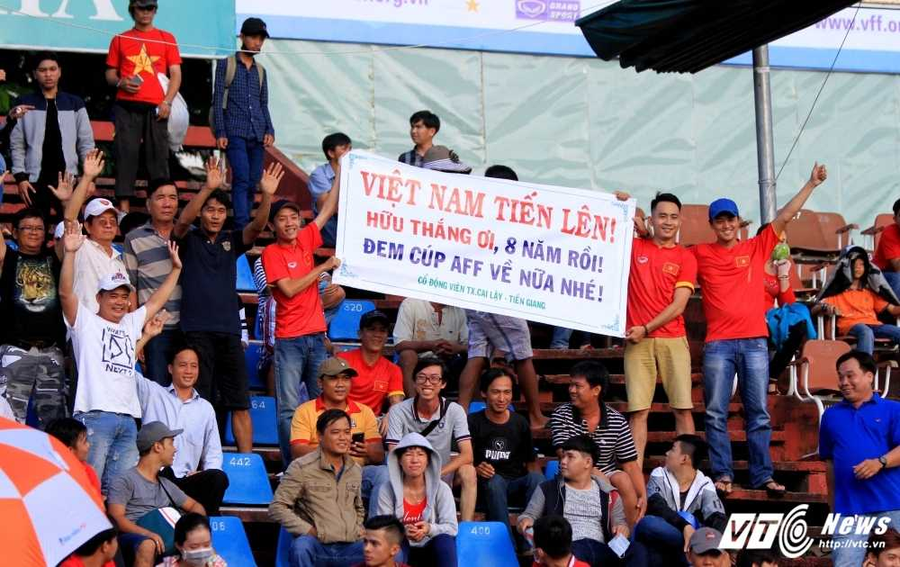 Ve xem ban ket AFF Cup 2016 Viet Nam vs Indonesia: Dat nhat 400 nghin dong hinh anh 1