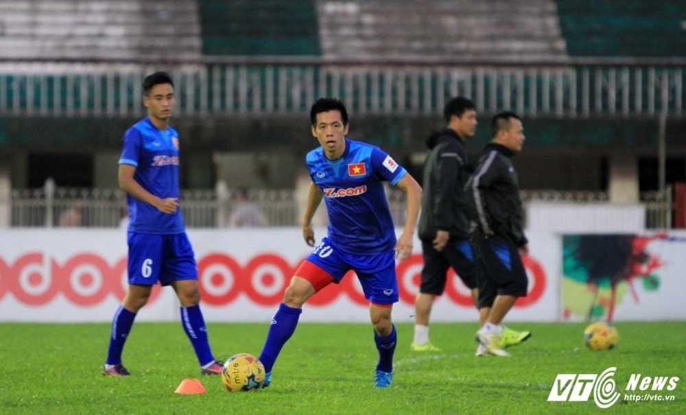 AFF Cup 2016: Tuyen Viet Nam sach bong cau thu mien Nam hinh anh 1