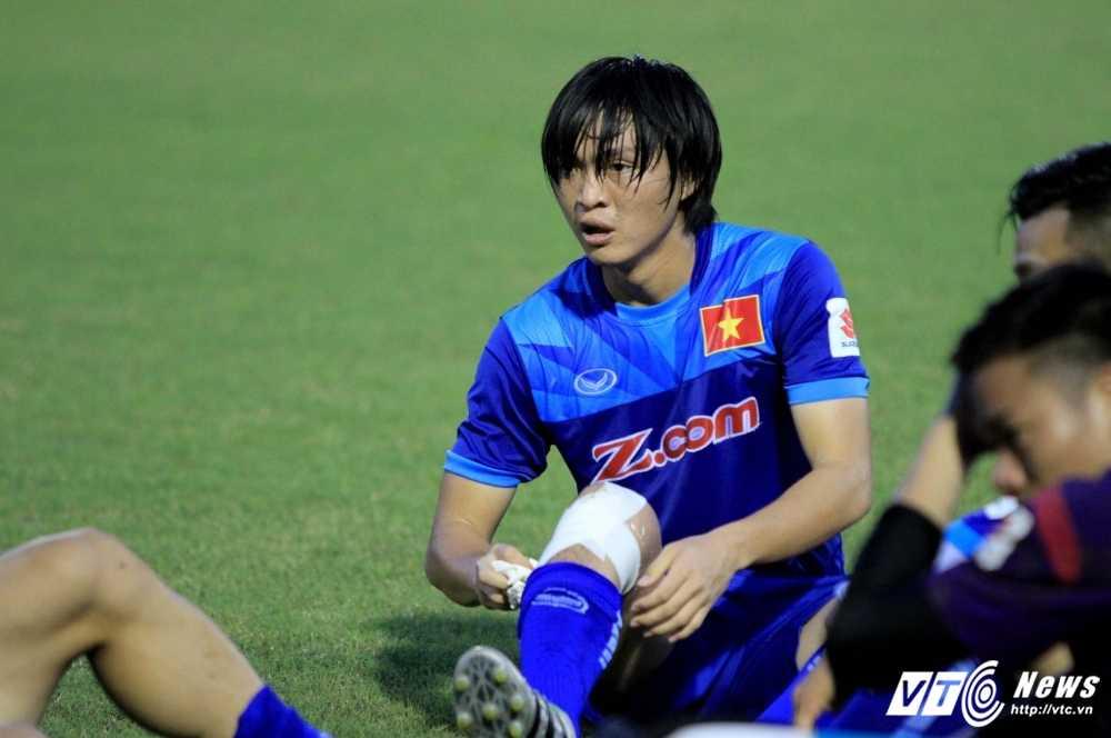 Chan thuong nang, Tuan Anh nhieu kha nang lo AFF Cup 2016 hinh anh 1