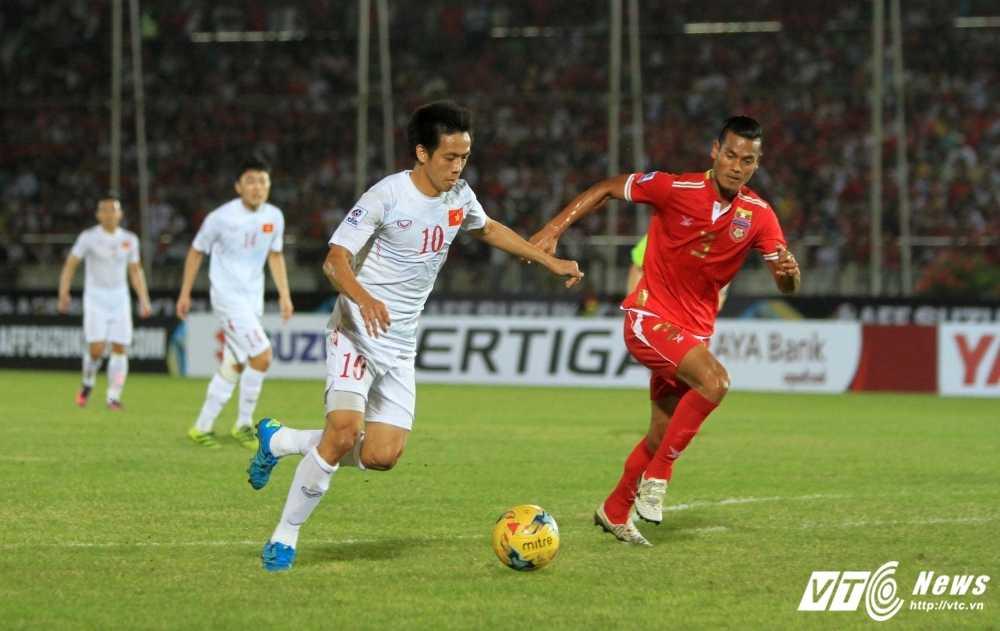 AFF Cup 2016: Gap Malaysia sung so, tuyen Viet Nam cho duyen Van Quyet hinh anh 1