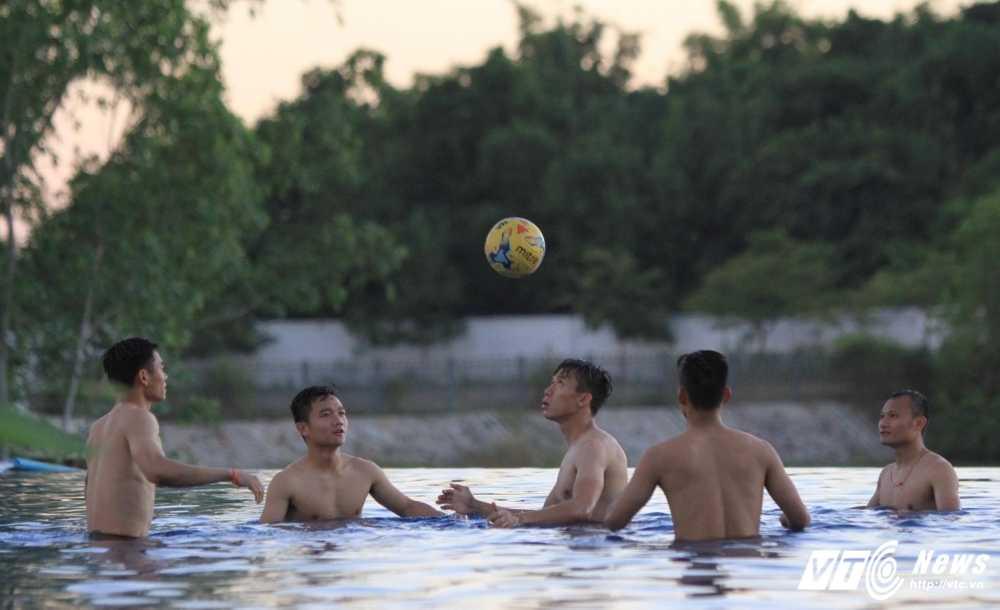 AFF Cup 2016: Tuyen Viet Nam ne trong Campuchia hinh anh 2