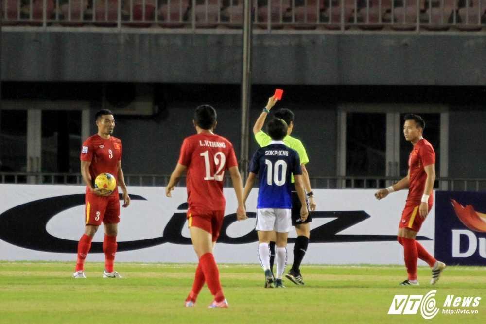 Ban ket AFF Cup 2016: Vang Dinh Luat co khi tuyen Viet Nam lai may hinh anh 1