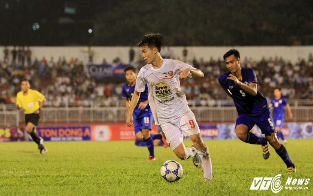 U21 HAGL dai bai: Lua Cong Phuong da qua thoi 'lam mua lam gio'? hinh anh 1