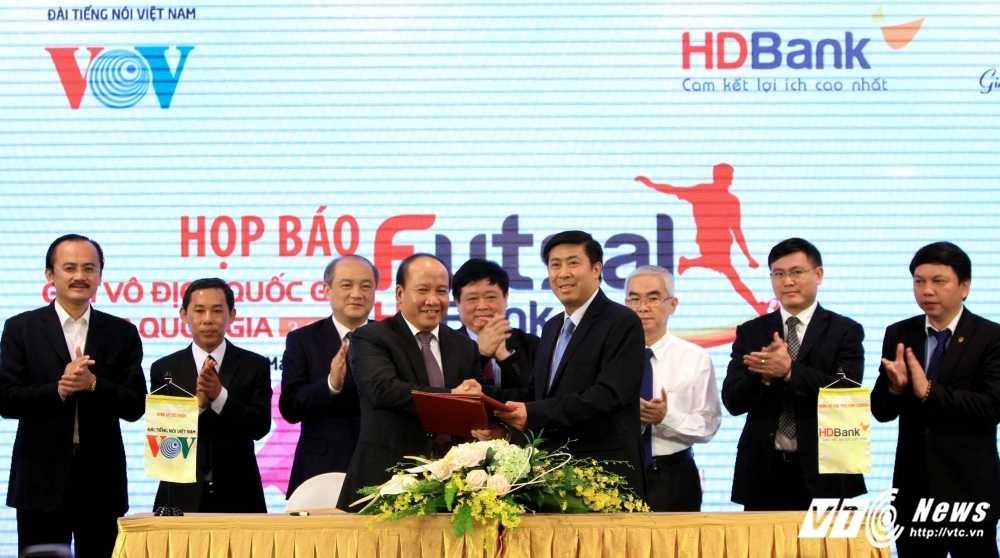 VOV dong hanh cung VFF to chuc giai Futsal VDQG HDBank 2017 hinh anh 4