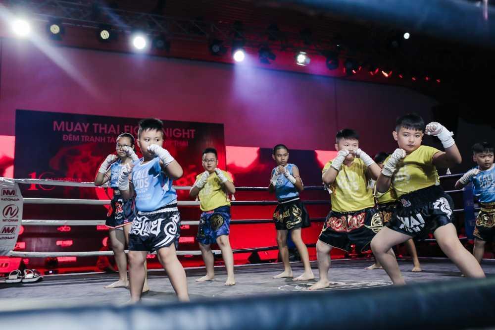 Nhung cu don man nhan trong su kien 'Muay Thai Fight Night' o TP.HCM hinh anh 6