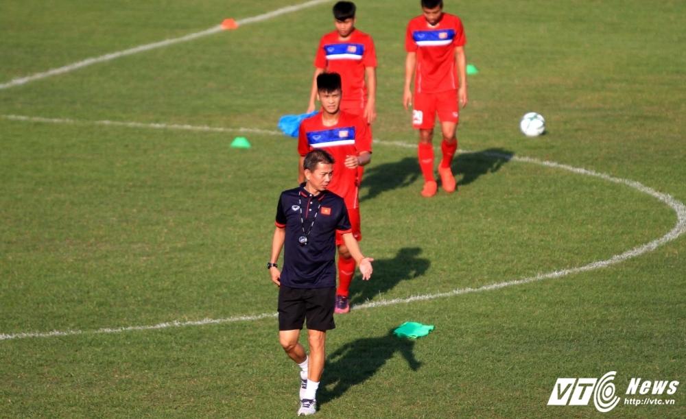 U20 Viet Nam van chua thuoc bai... khoi dong hinh anh 2