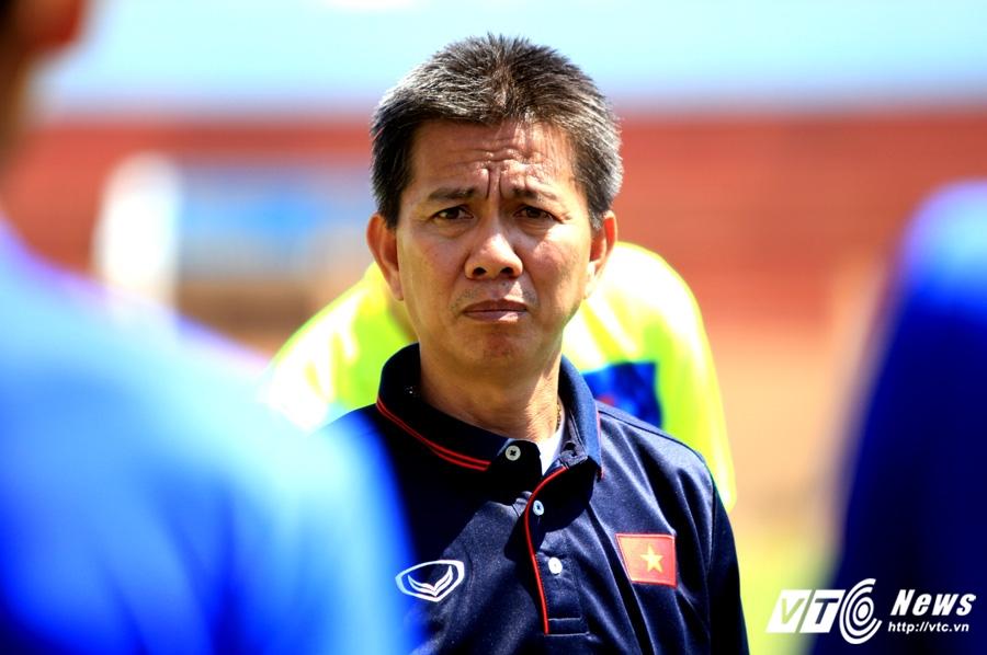 HLV Hoang Anh Tuan nhac cau thu U20 Viet Nam: Dung tuong da chinh V-League la ngon roi hinh anh 1