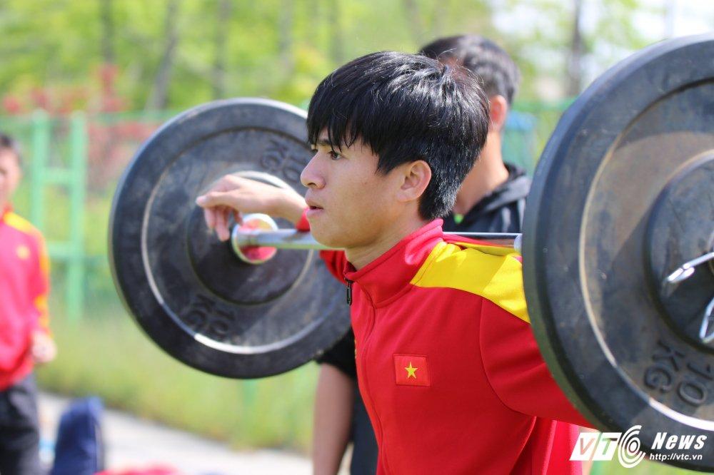 Phan Thanh Hau: Nhan ve vot may man, thoat mac than dong HAGL? hinh anh 1