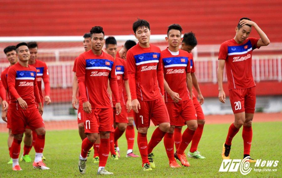 HLV Le Thuy Hai: Cau thu U20 Viet Nam chua du trinh do thi dau cho doi tuyen Quoc gia hinh anh 2