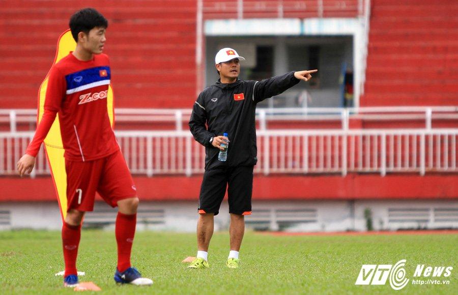 HLV Huu Thang chiu thua cai nong Sai Gon hinh anh 1